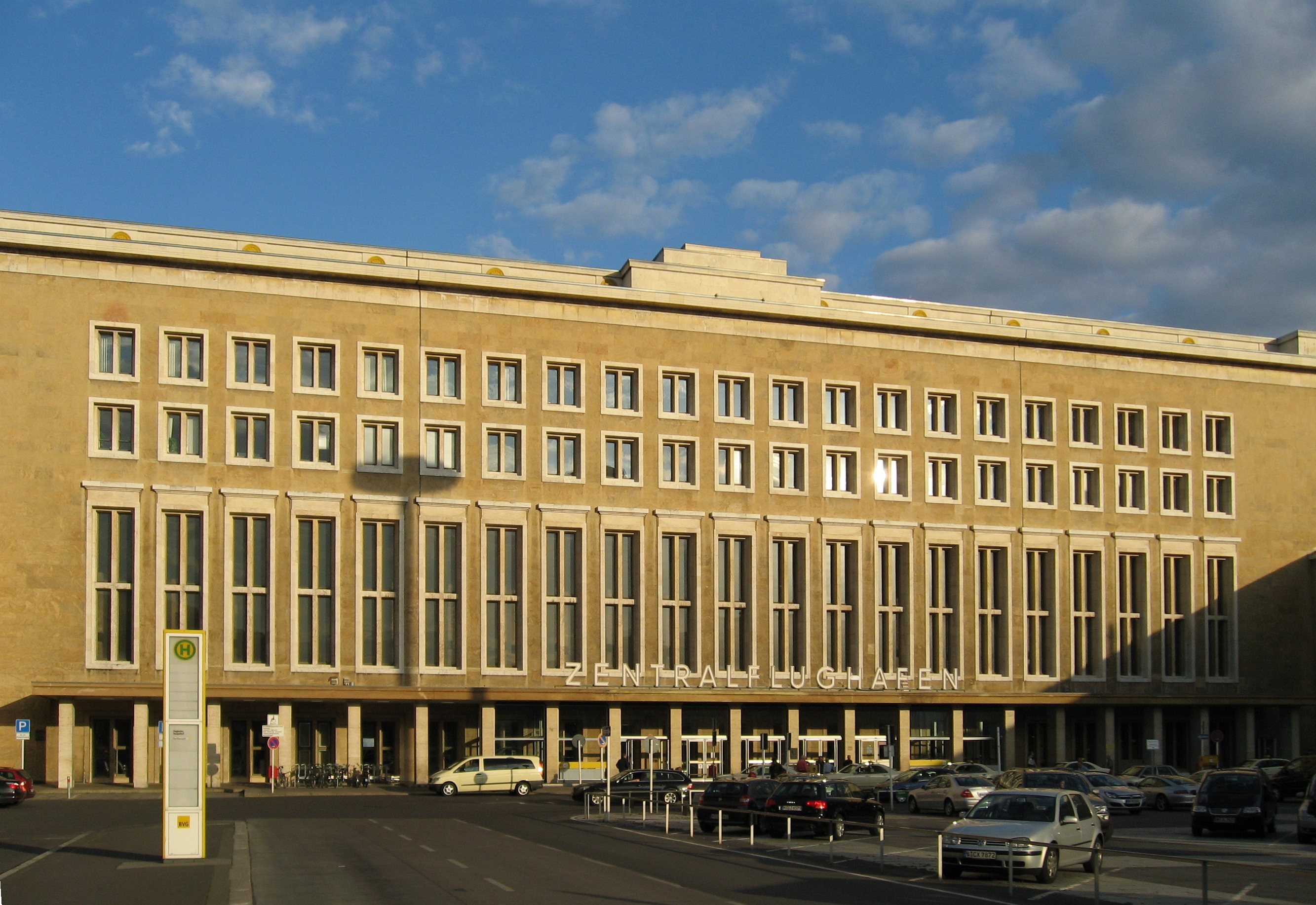 berlin tempelhof airport military wiki fandom powered by wikia. Black Bedroom Furniture Sets. Home Design Ideas