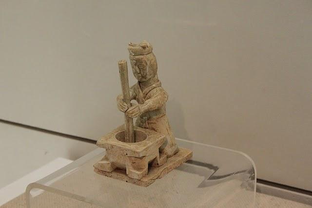File:Three Kingdoms pottery worker.JPG