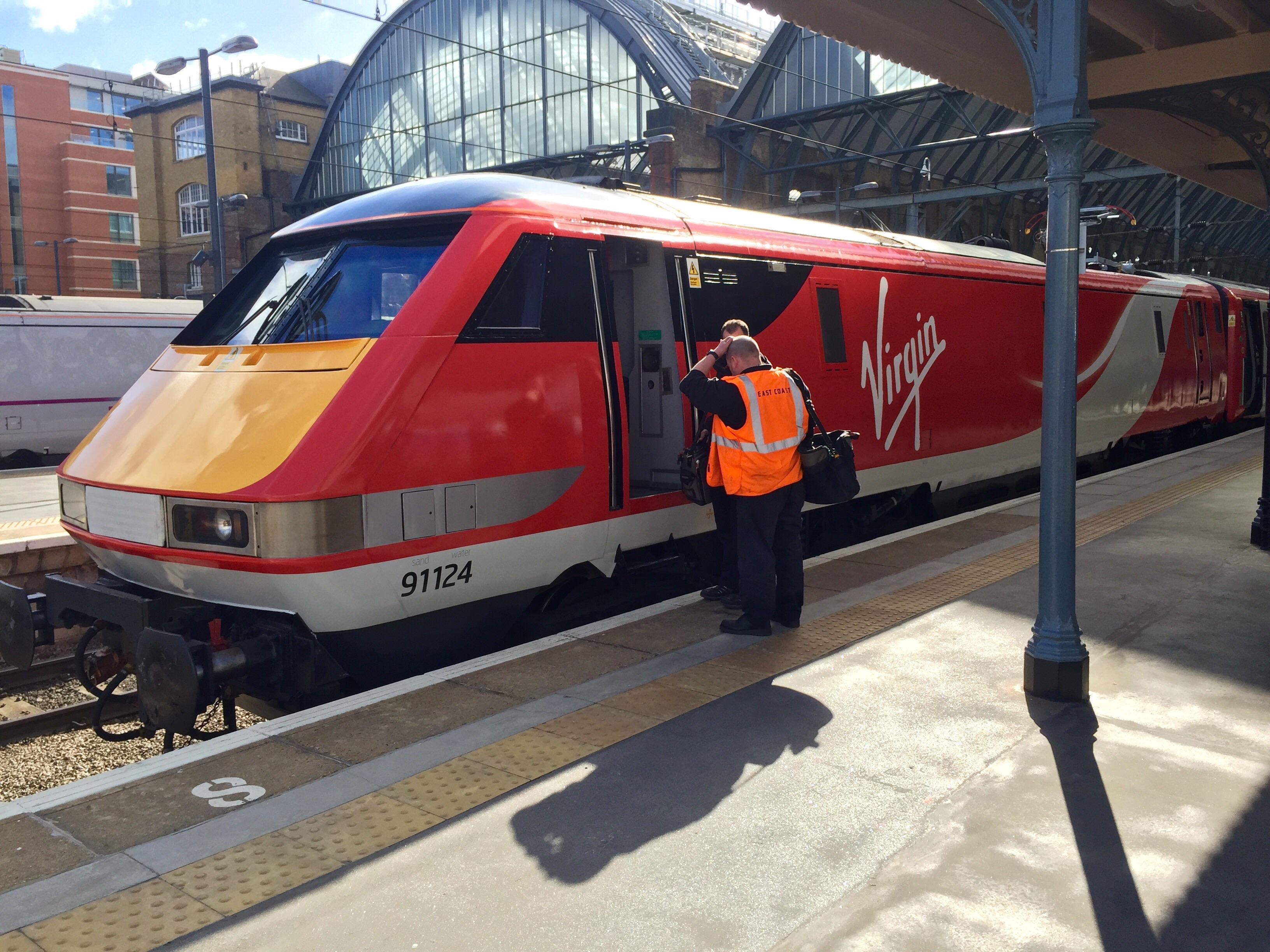VTEC 91 at London Kings Cross.jpg