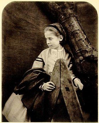http://upload.wikimedia.org/wikipedia/commons/4/45/Wilson-Todd,_Aileen_(Lewis_Carroll,_04.09.1865).jpg