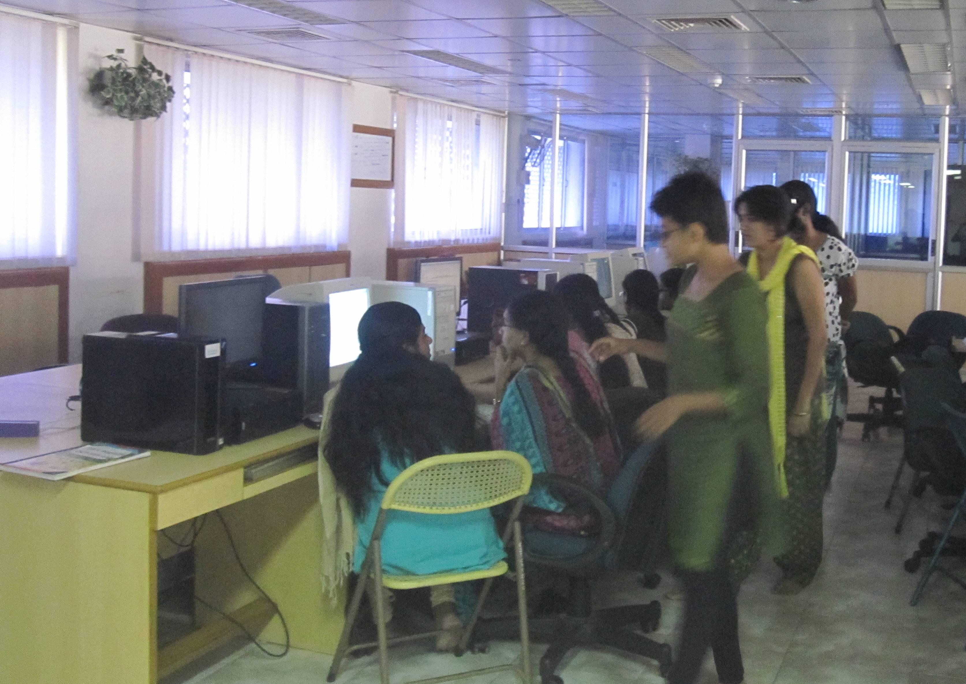 IIT Madras Wikipedia: File:Women For Wikipedia, Chennai.jpg