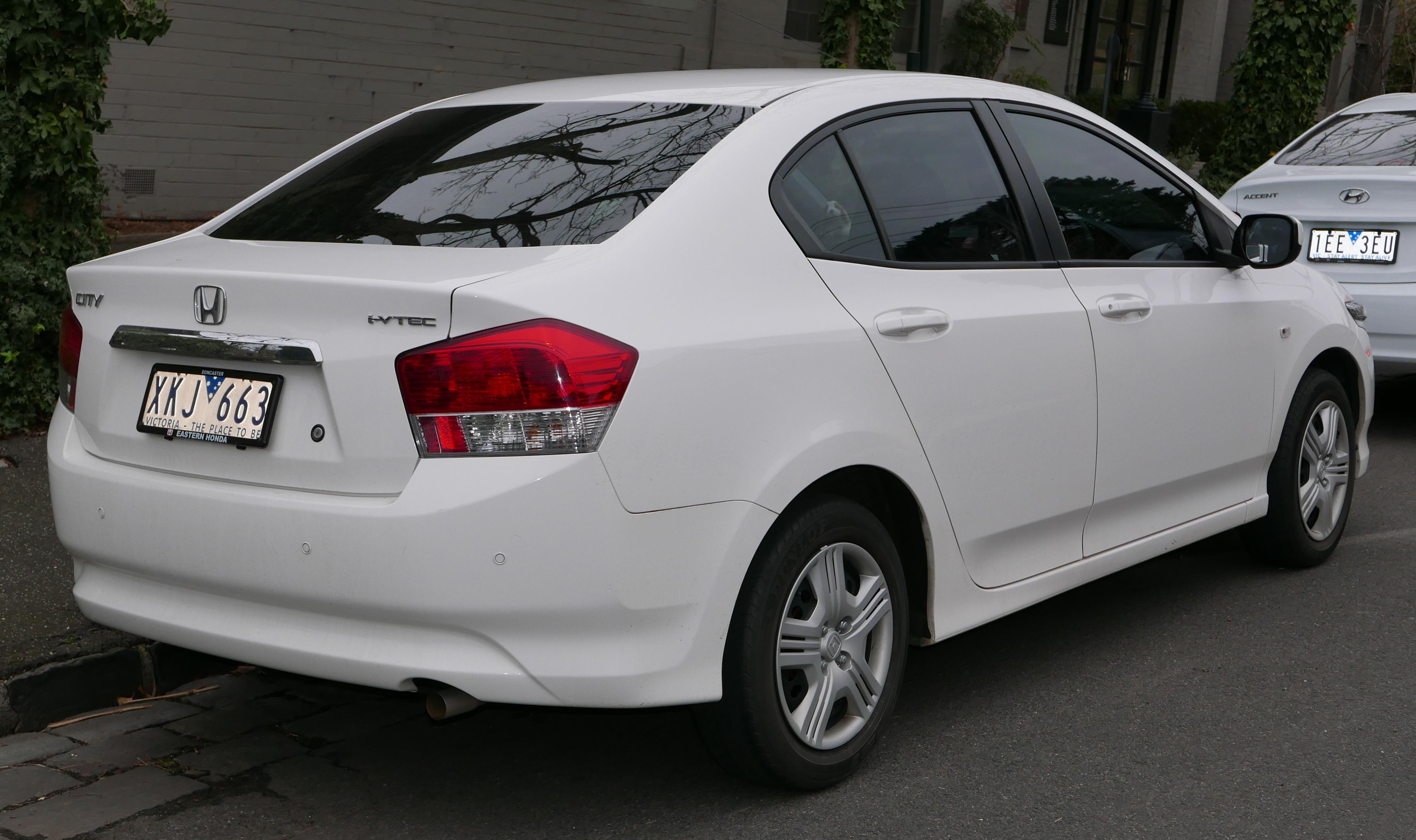 File:2009 Honda City (GM2 MY09) VTi sedan (2015-07-09) 02.jpg - Wikimedia Commons
