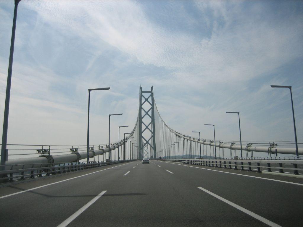 AkashiOhashiRoad1.jpg