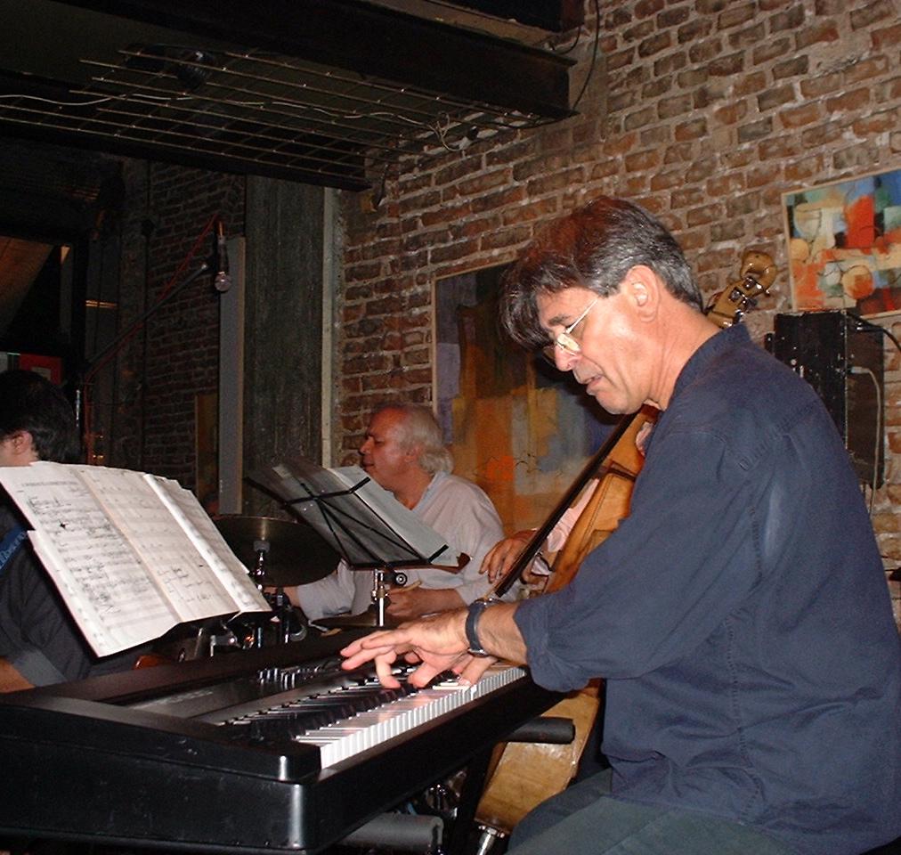 Alberto Playing