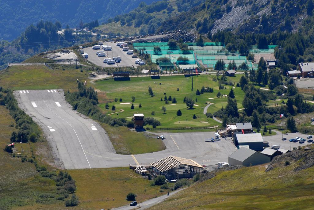 Altiport de l 39 alpe d 39 huez wikip dia - Immobilier l alpe d huez ...