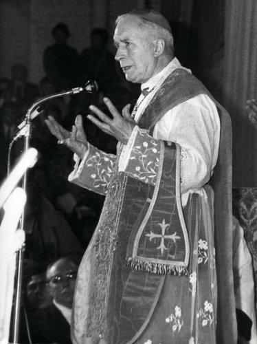 Archbishop Lefebvre in Lille.jpg