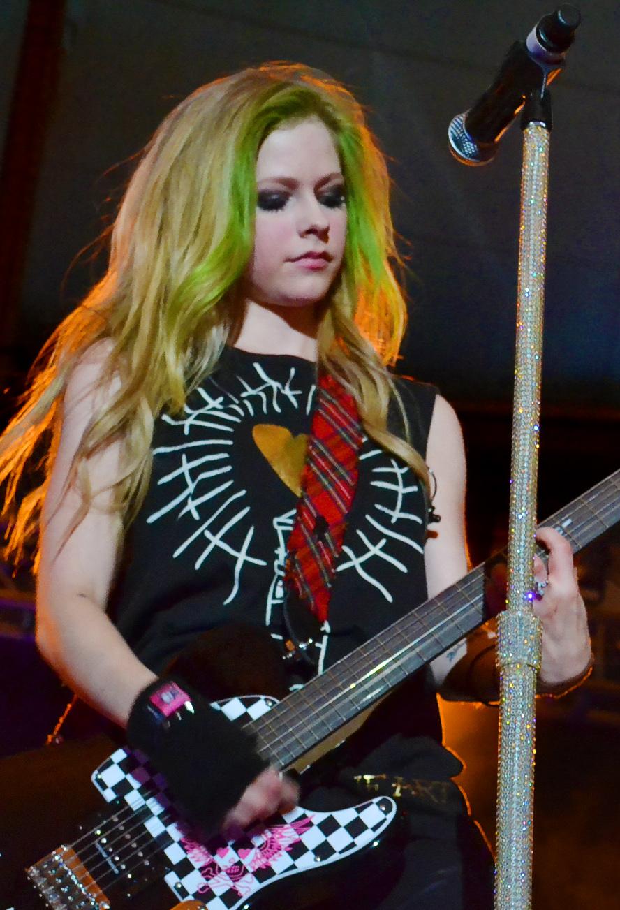Avril Lavigne Größe