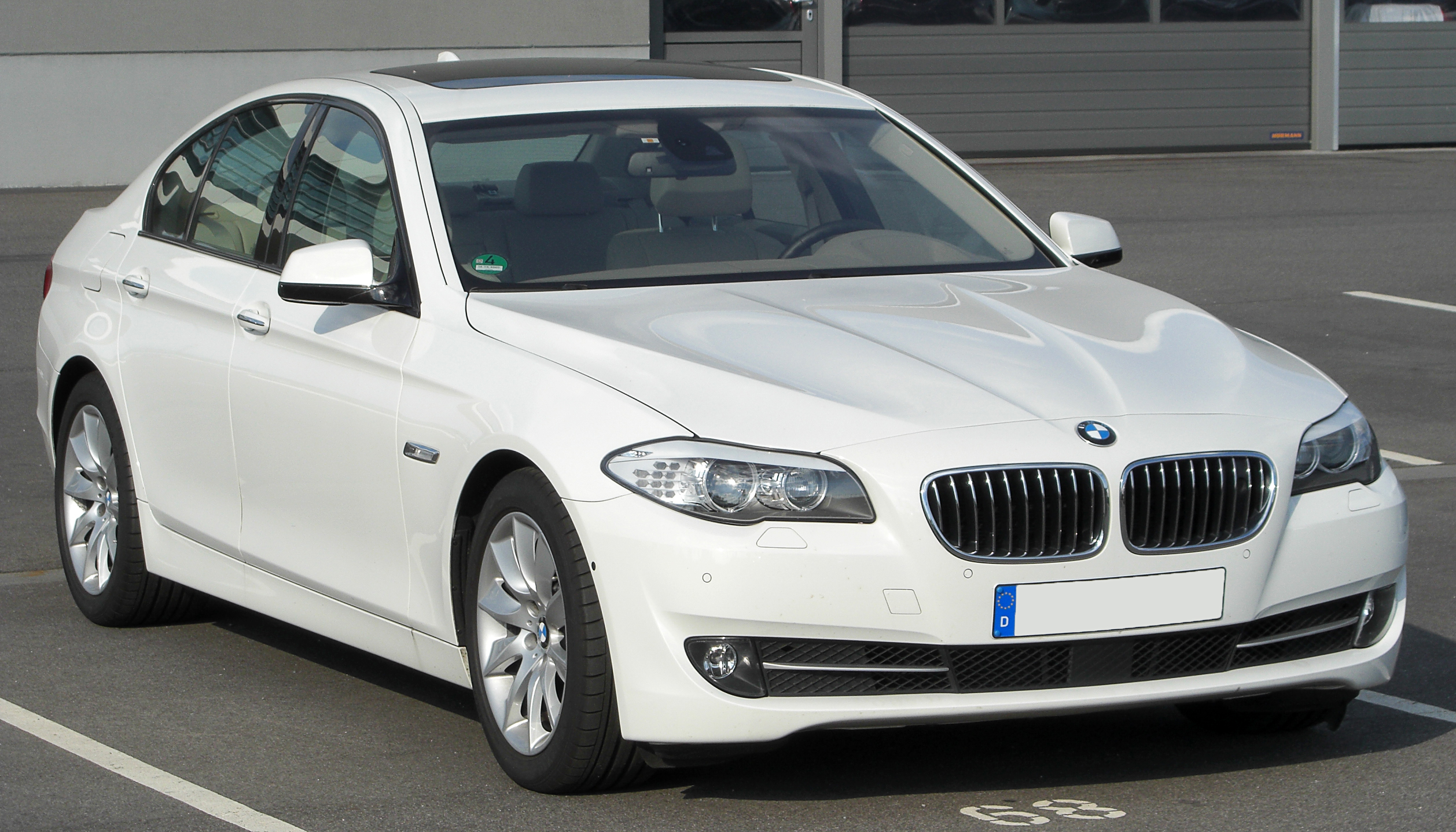 file bmw 530d f10 front 1 wikimedia commons. Black Bedroom Furniture Sets. Home Design Ideas