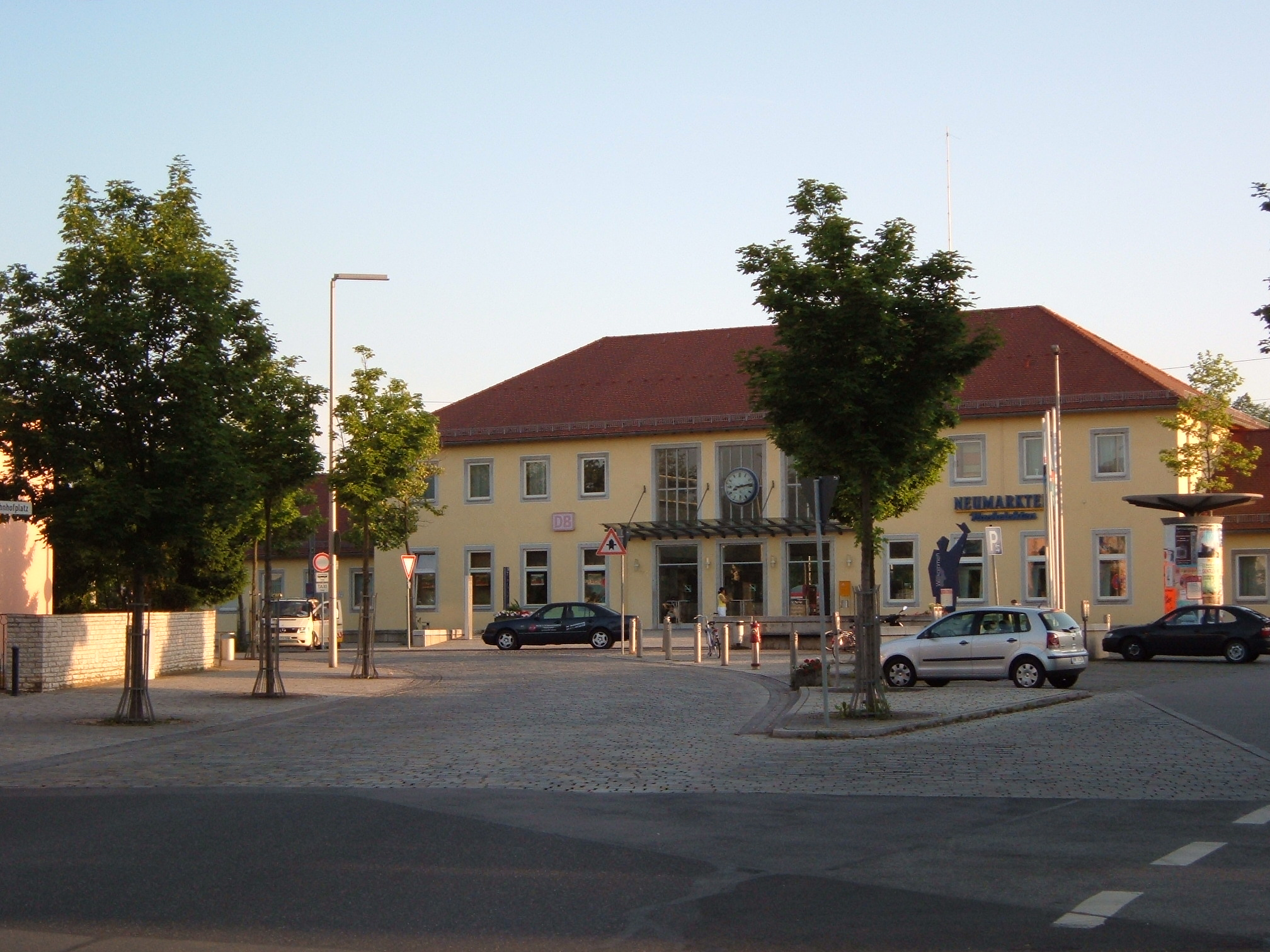 Neumarkt in der Oberpfalz Germany  city photos gallery : Bahnhof neumarkt Wikipedia, the free encyclopedia