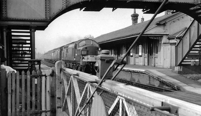 Bentley Railway Station Suffolk Wikipedia