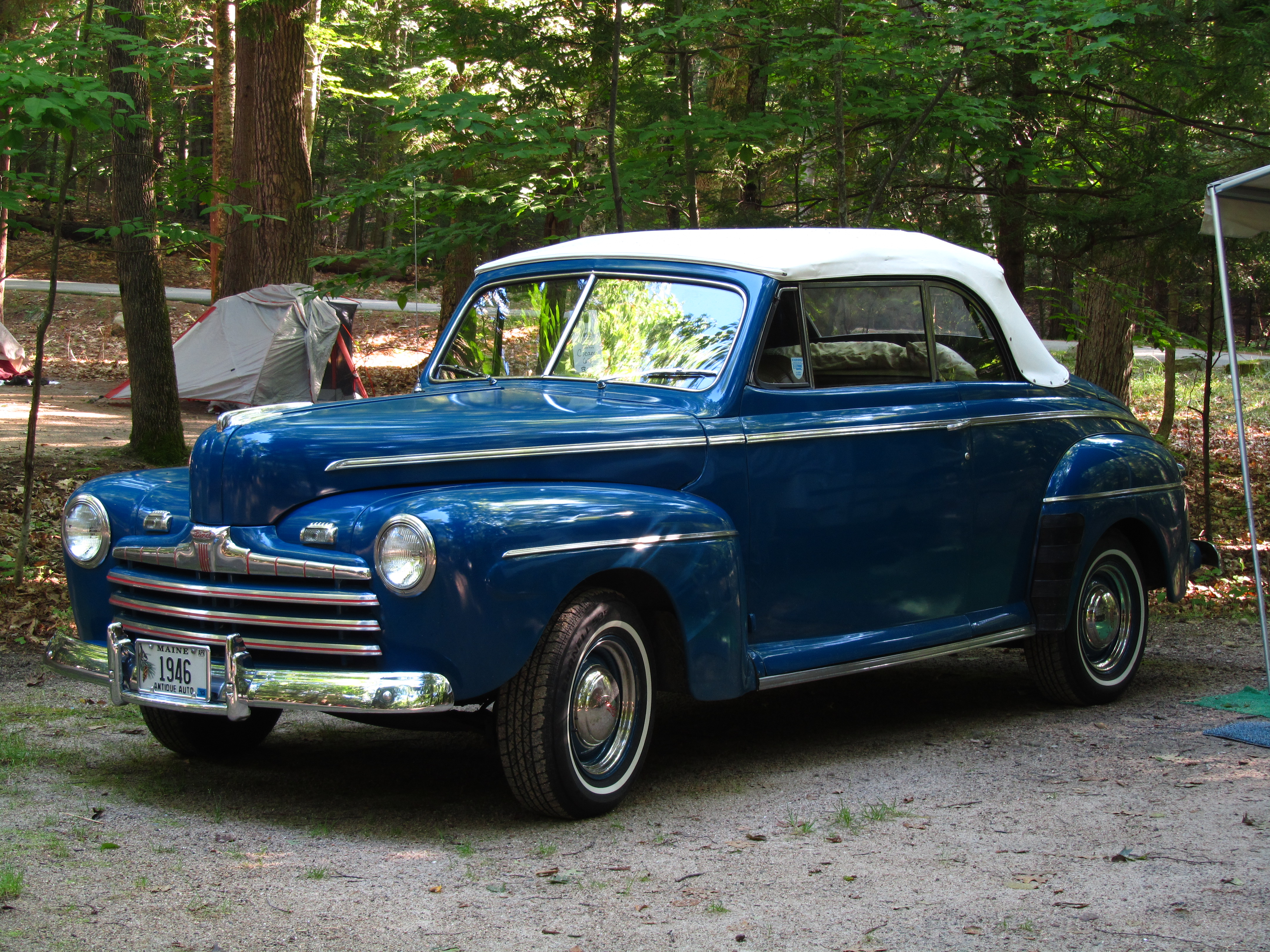 file blue 1946 ford super de luxe. Black Bedroom Furniture Sets. Home Design Ideas