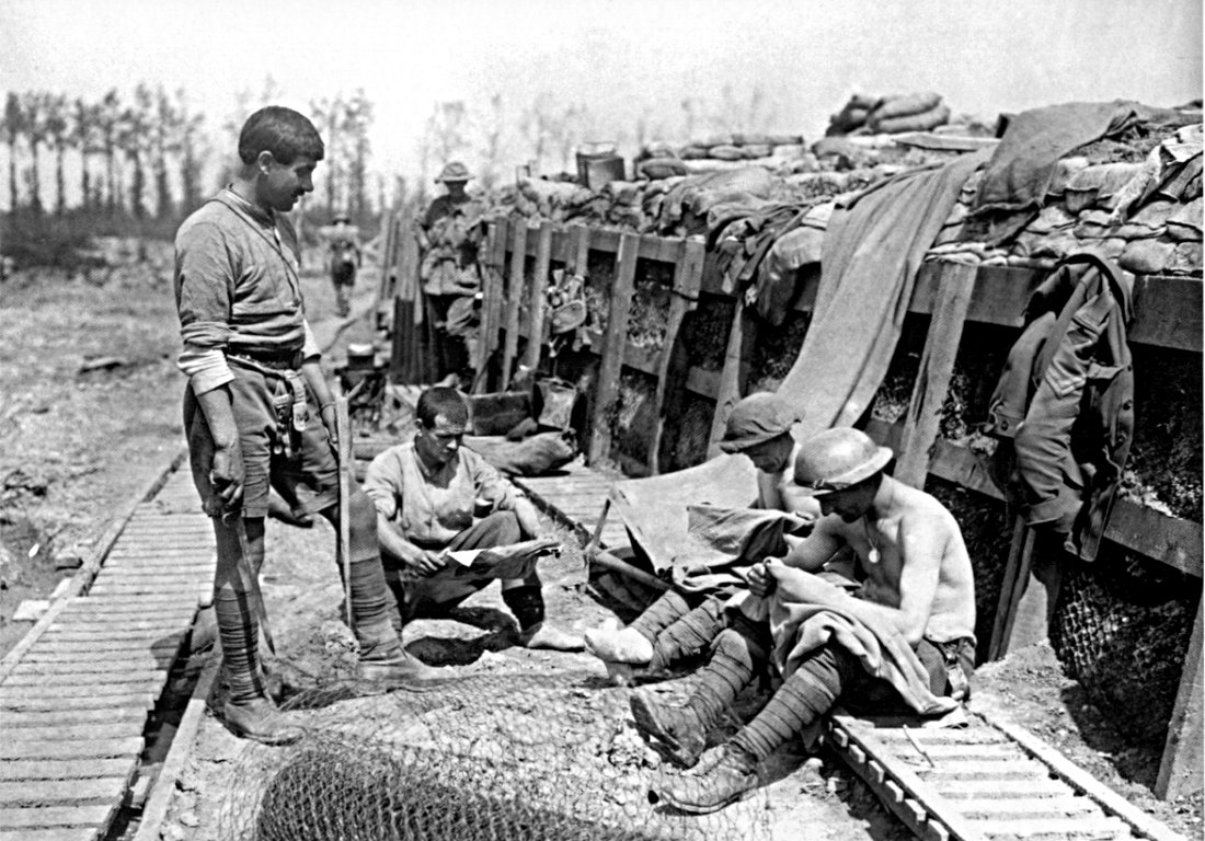 IFF  A WWI    trench    on the Canadian front showing funk holes  1917   canada