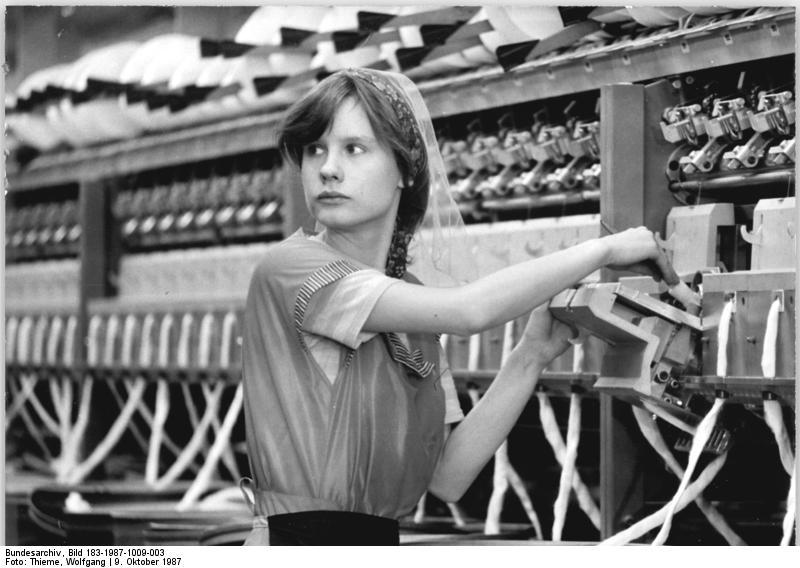 Bundesarchiv Bild 183-1987-1009-003, Sekundärrohstoff-Spinnerei Werdau.jpg