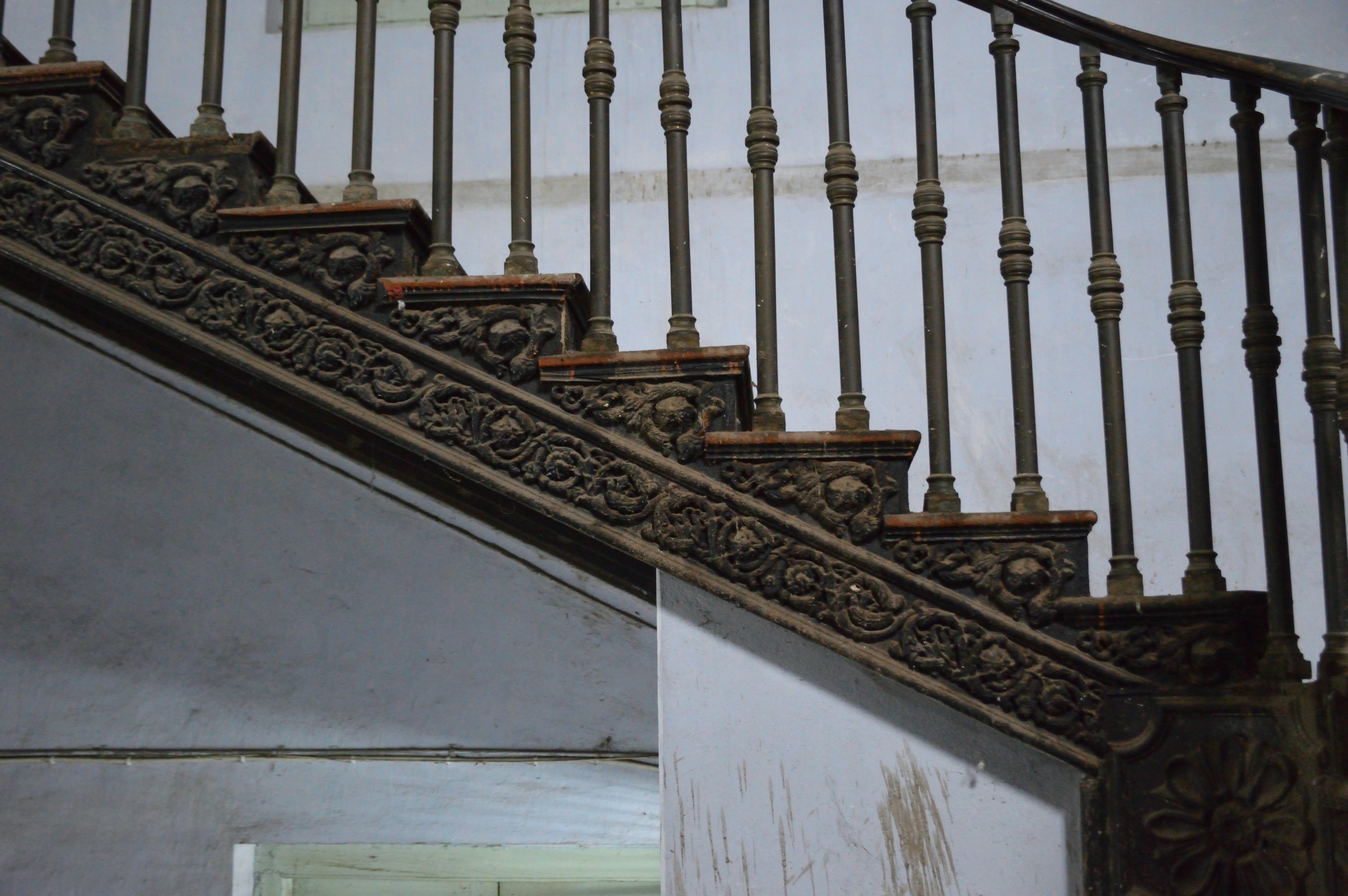 File:Cast Iron Staircase Detail   Entrance Hall   Serampore College    Hooghly 2017