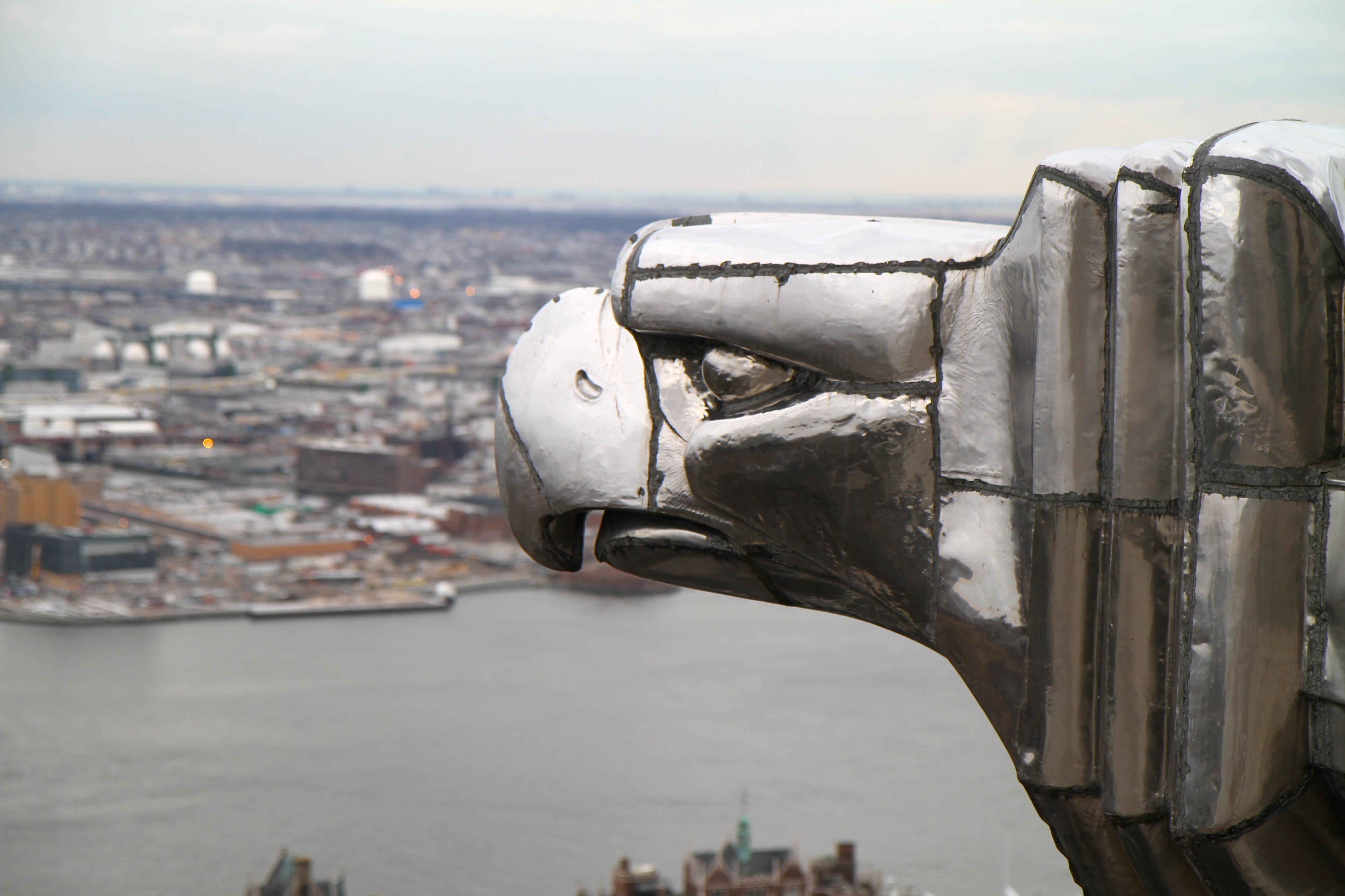 File:Chrysler Building eagle detail.jpg - Wikimedia Commons