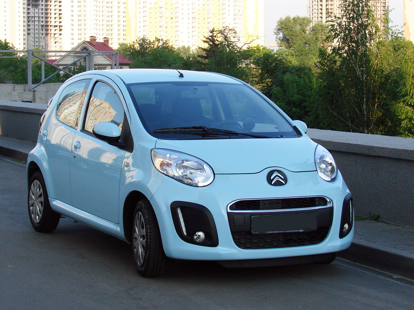 Description Citroen C1 2012 facelift.jpg