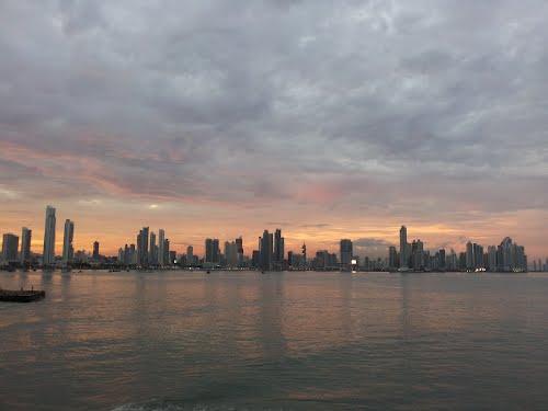 File:Ciudad de Panama Panama.jpg