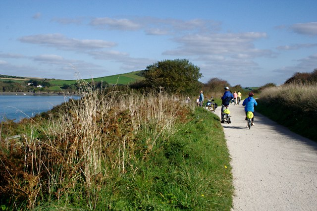 Cyclists on the Camel Trail - geograph.org.uk - 1541492