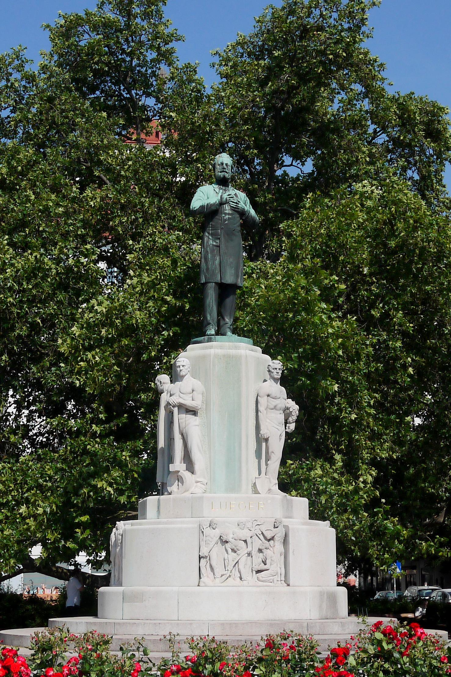 Dr. Karl Lueger-Denkmal Stubentor.JPG