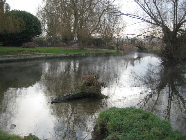 Eton Wick, Confluence of Roundmoor Ditch with Cress Brook - geograph.org.uk - 1142081