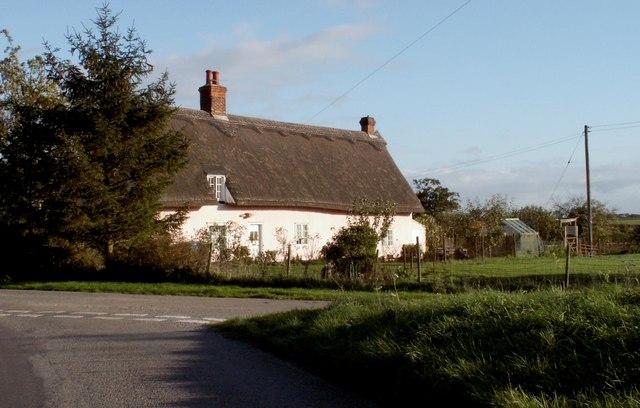 File:Farmhouse at School Farm - geograph.org.uk - 271981.jpg