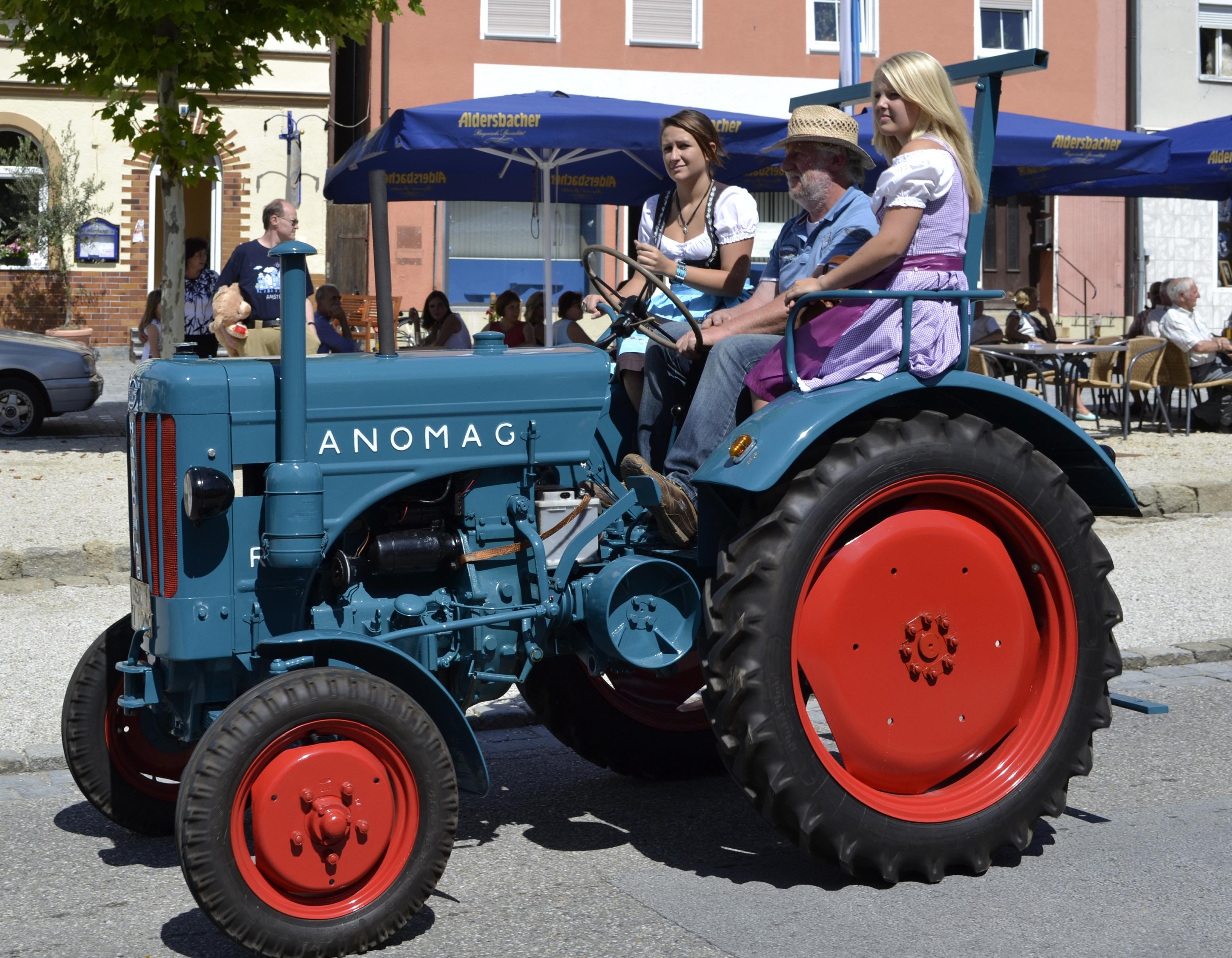 File hanomag traktor oldtimerumzug aidenbach g