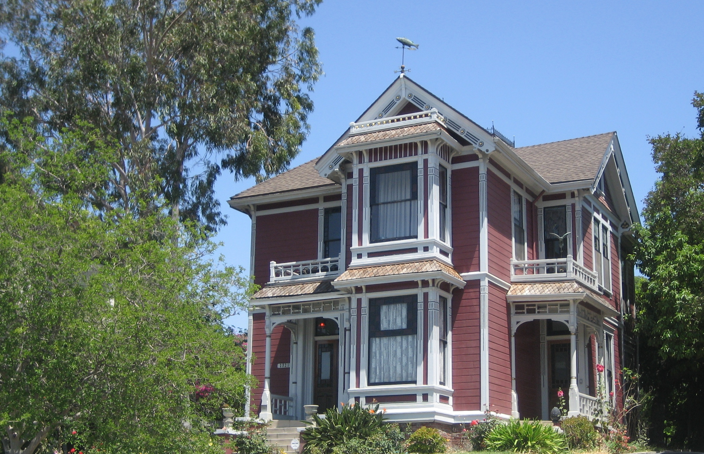 File:House at 1329 Carroll Ave., Los Angeles (Charmed House)-