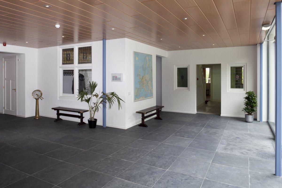 File:Interieur begane grond, overzicht van entree in nieuwbouw ...