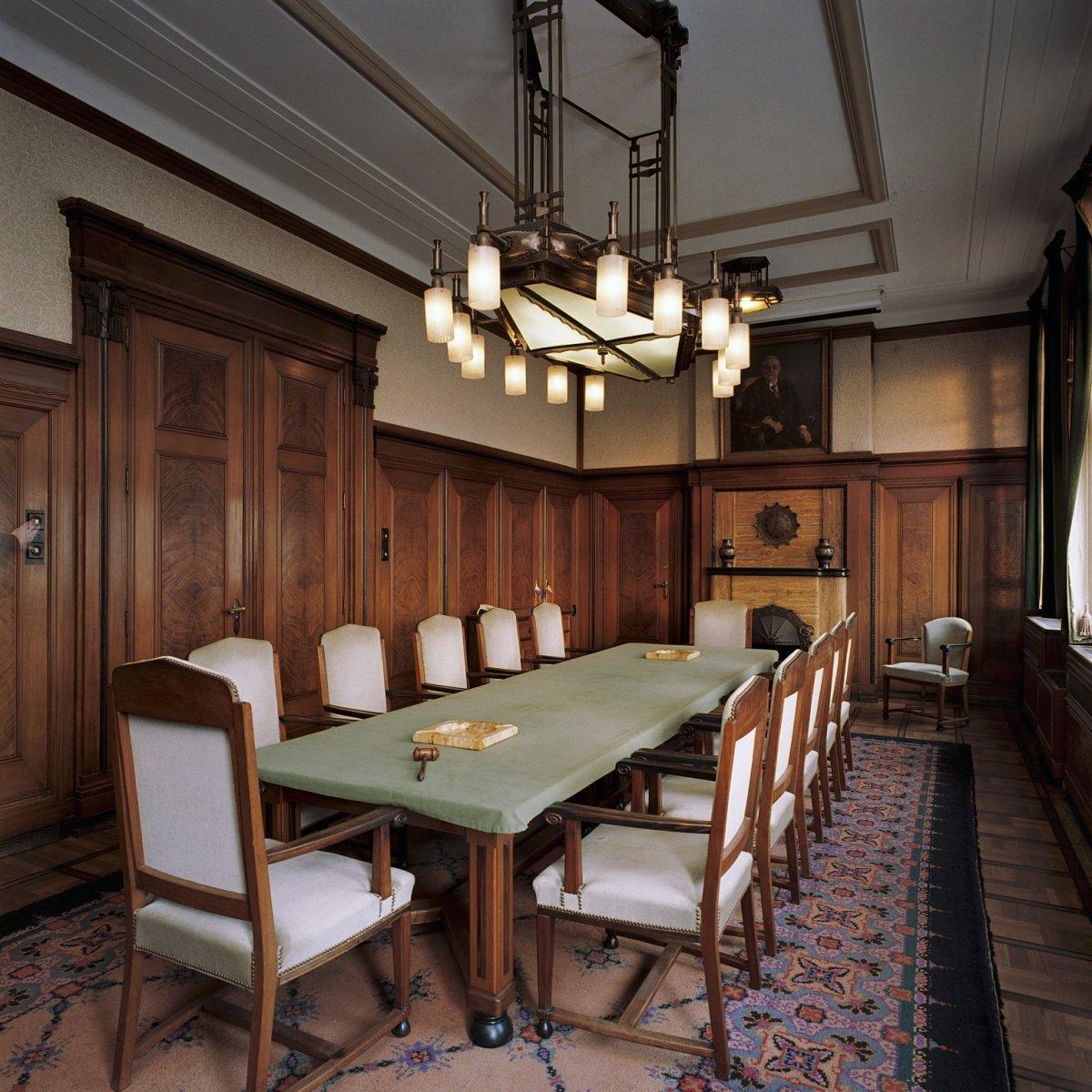File:Interieur kantoor, eerste verdieping, overzicht kamer aan ...