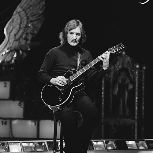 File:Jan Akkerman - TopPop 1974 02.png