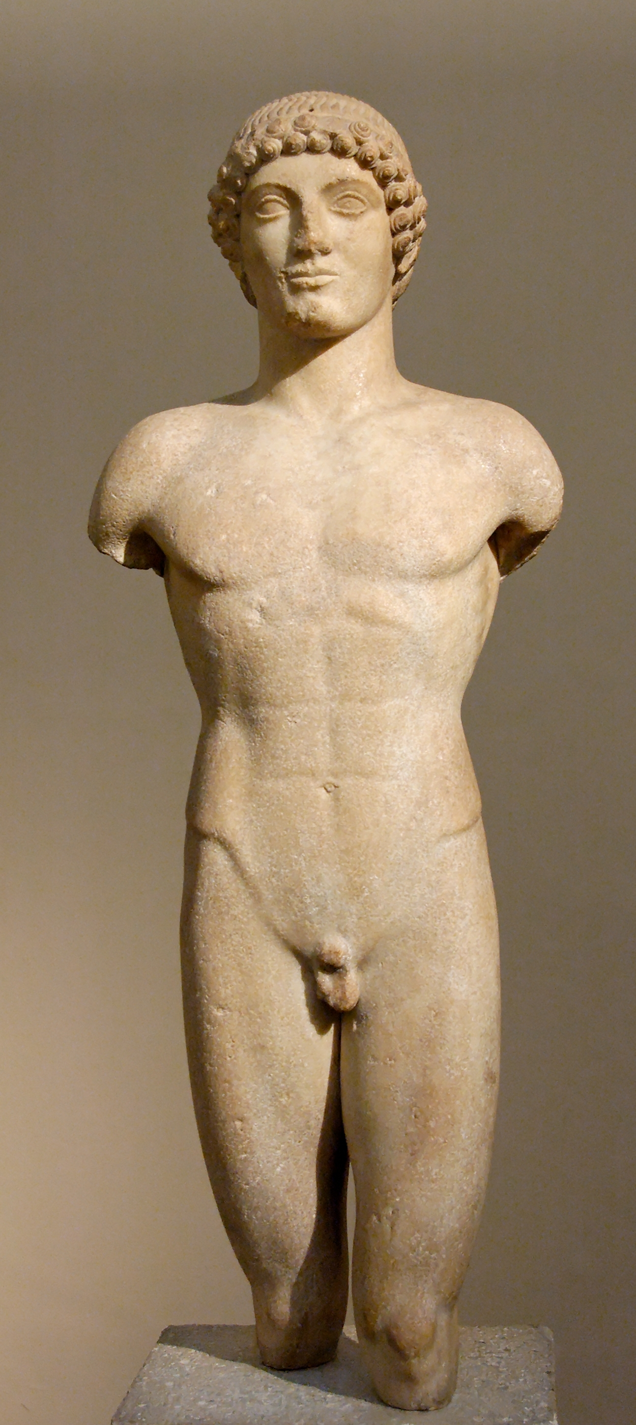 http://upload.wikimedia.org/wikipedia/commons/4/46/Kouros_Anaphe_BM_B475.jpg