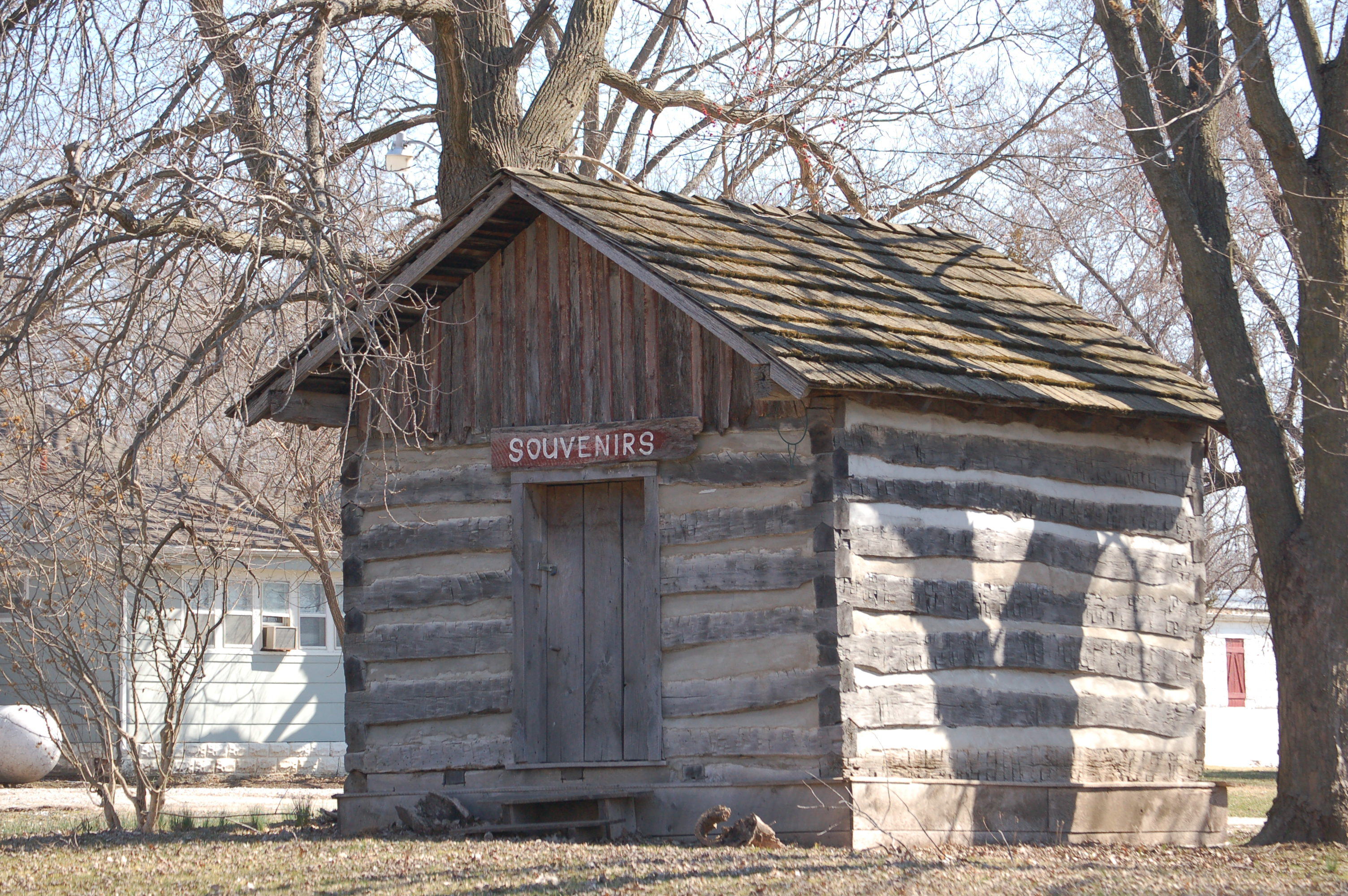 Log Smokehouse Novinger Missouri Wikimedia Commons