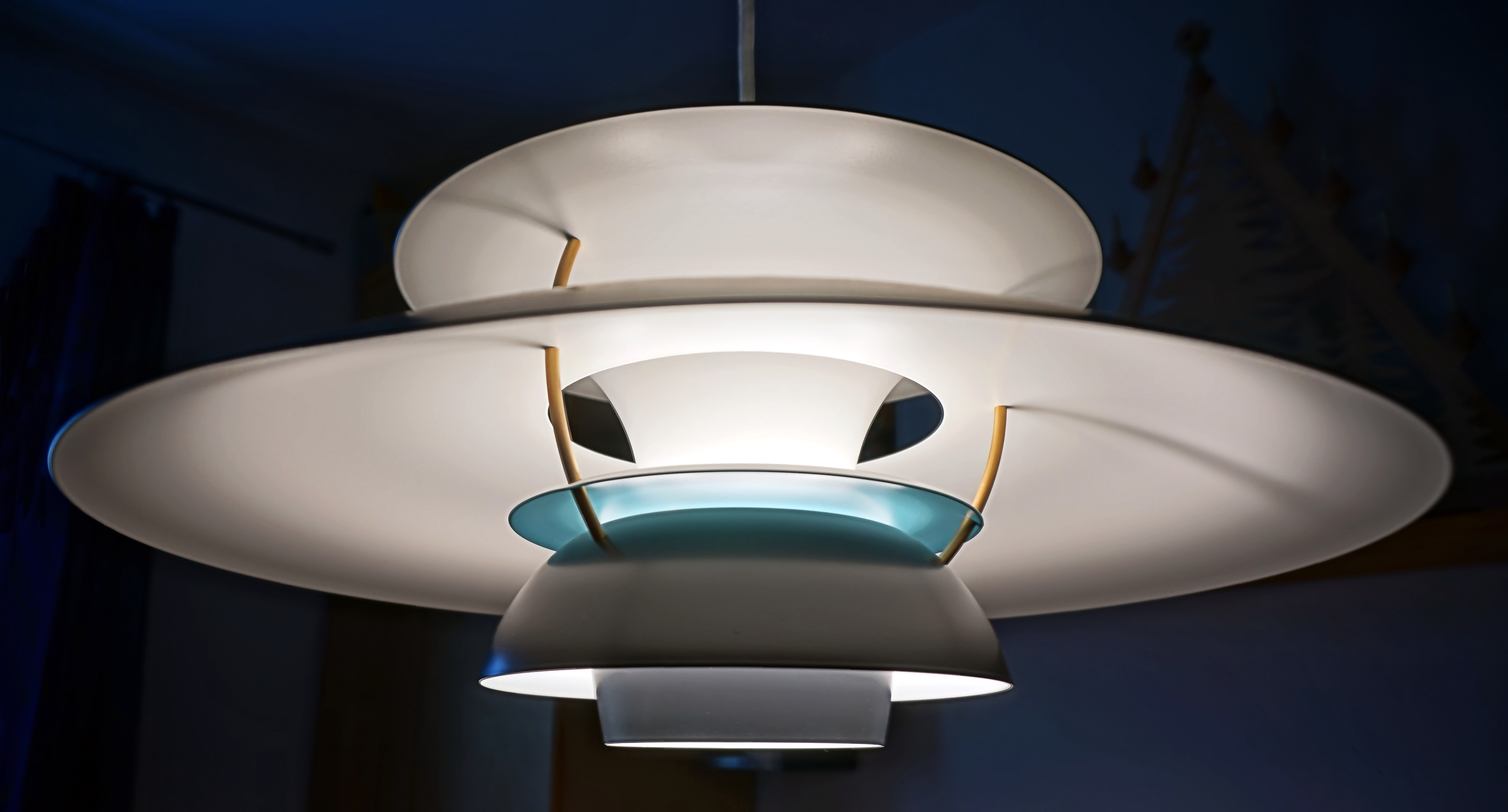 file louis poulsen ph5 poul wikimedia commons. Black Bedroom Furniture Sets. Home Design Ideas