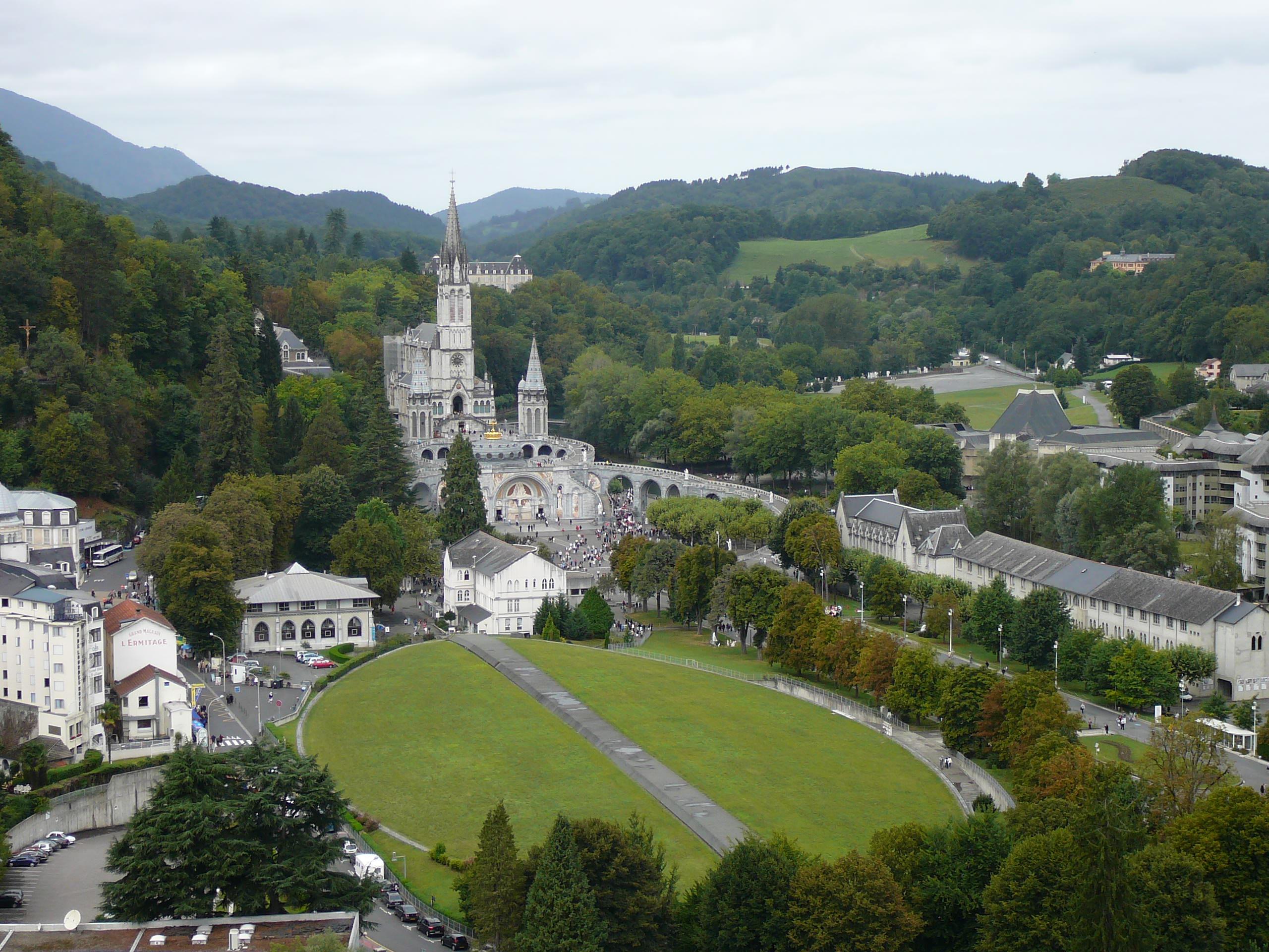 Lourdes Santuario