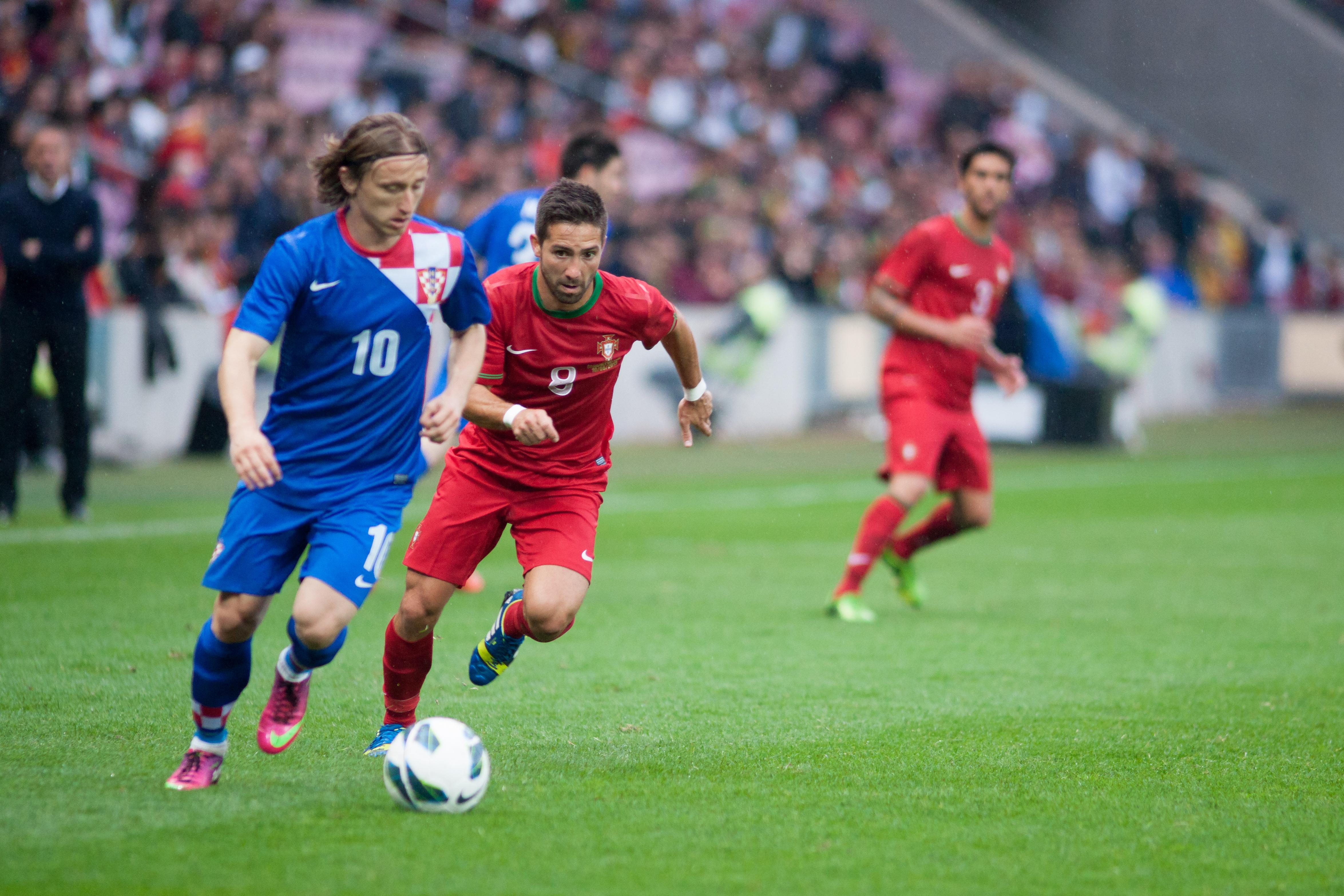 File Luka Modric L Jo£o Moutinho R Croatia vs Portugal