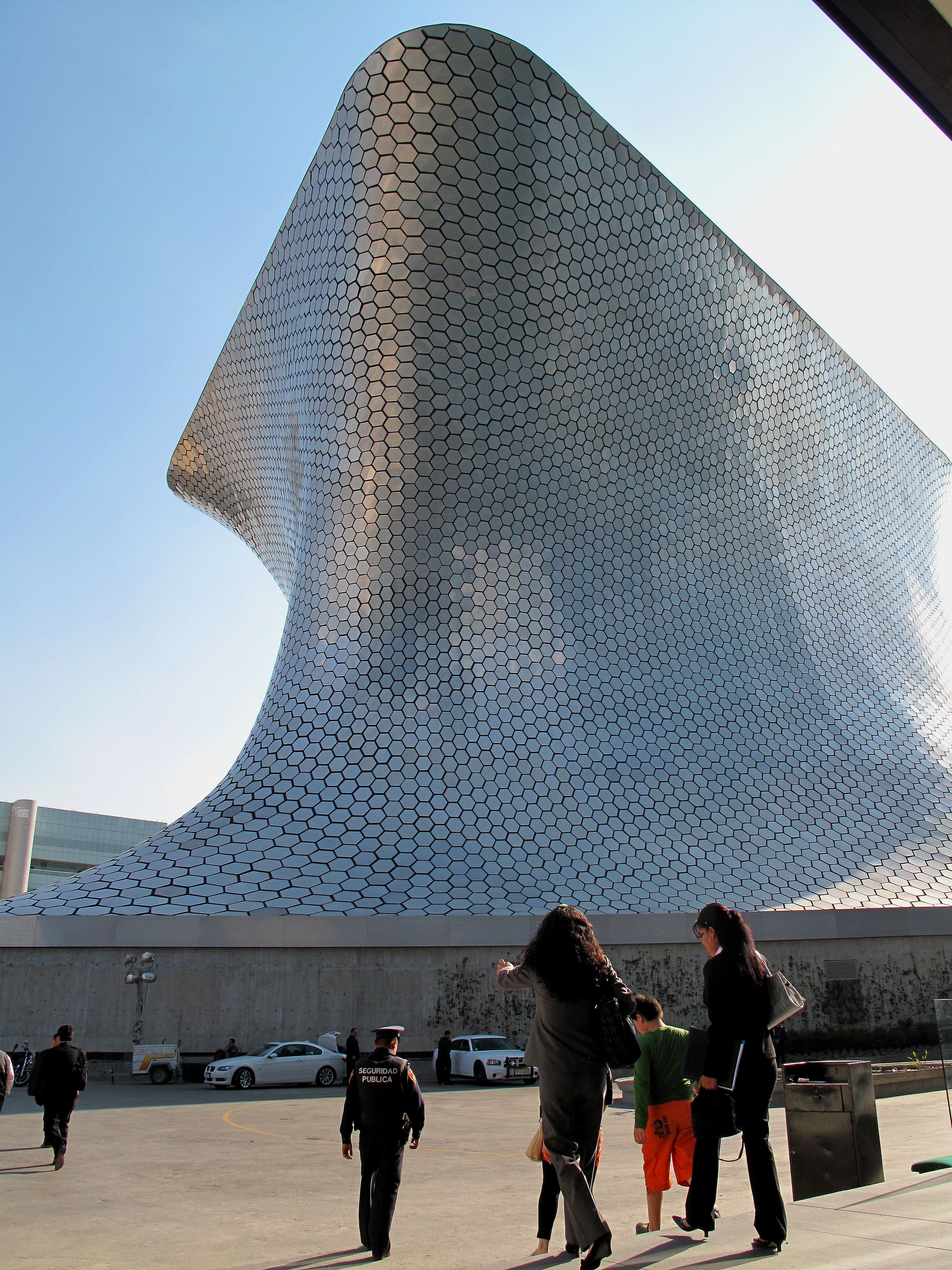 Museo soumaya mexico closer