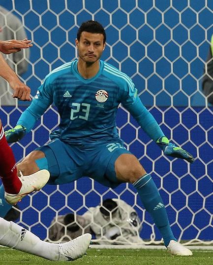 محمد الشناوي حارس المنتخب المصري والنادي الأهلي