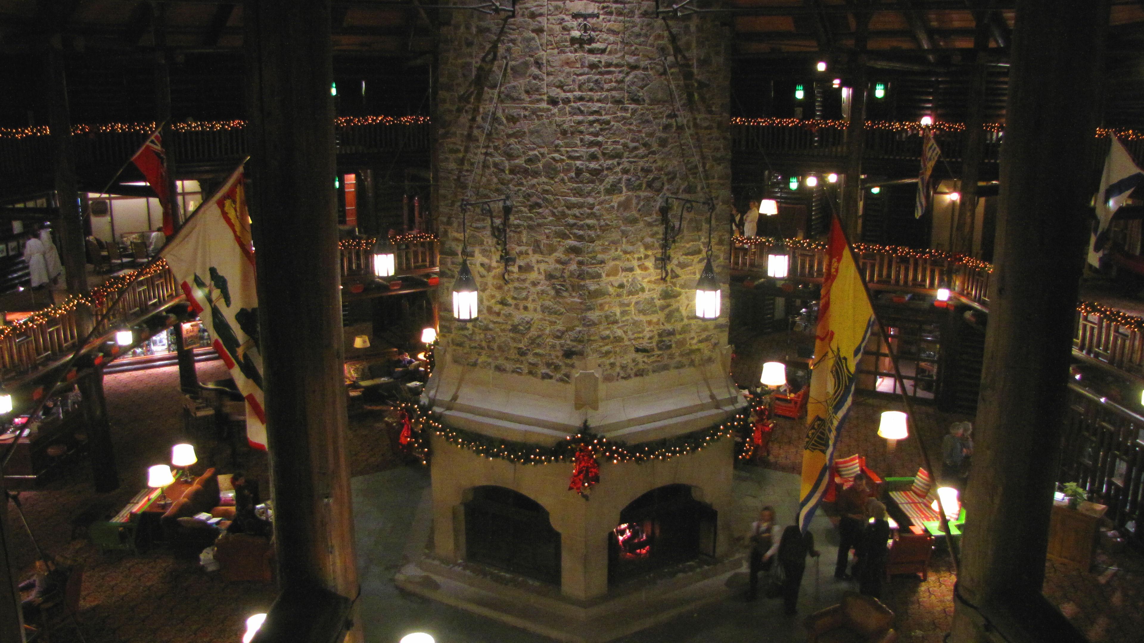 File montebello wikimedia commons for Montebello fireplace