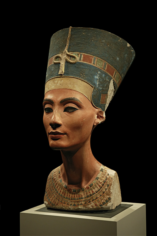 nefertiti bust a fake