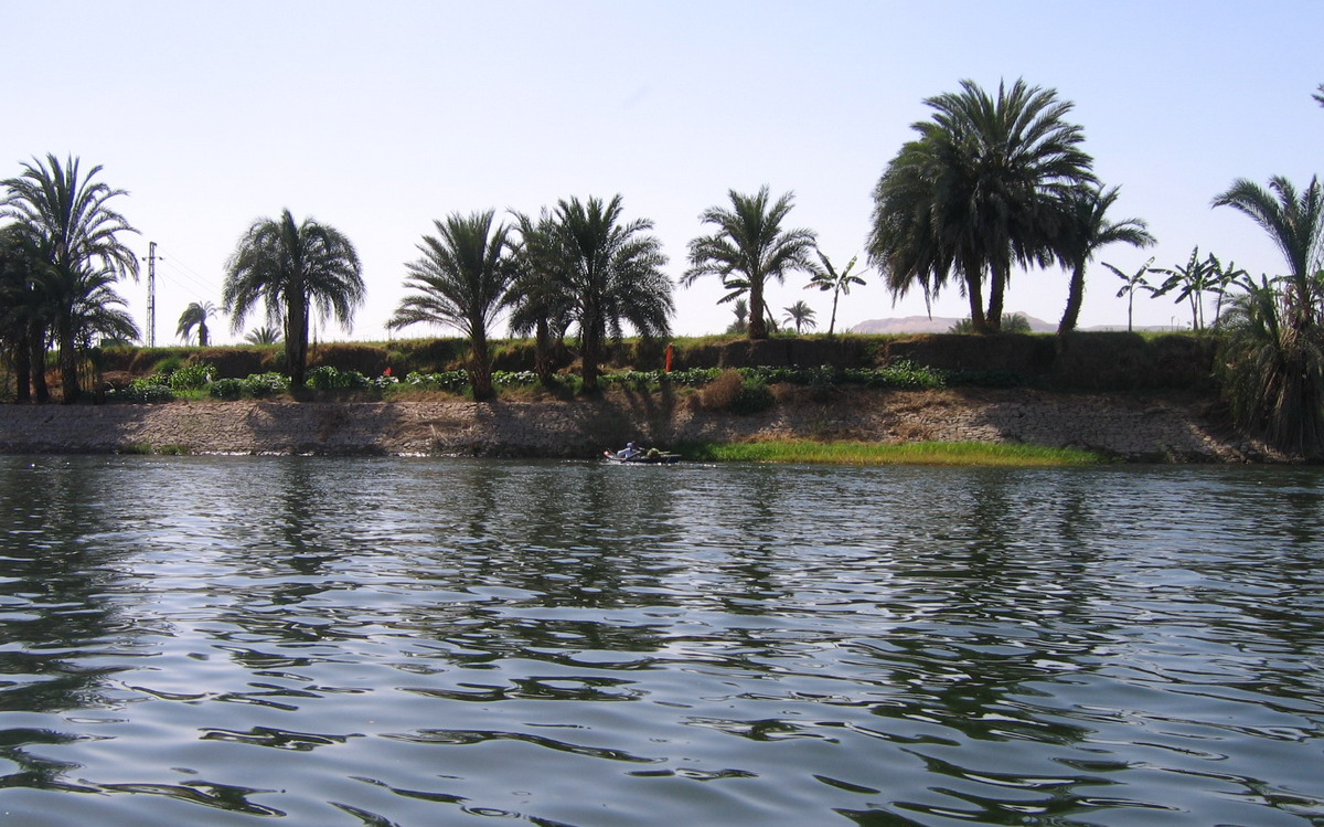 Vaizdas:Nile Thebes.jpg