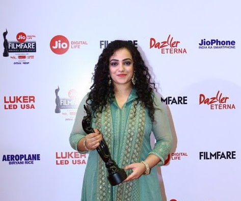 Nithya at the 65th Filmfare Awards South ceremony