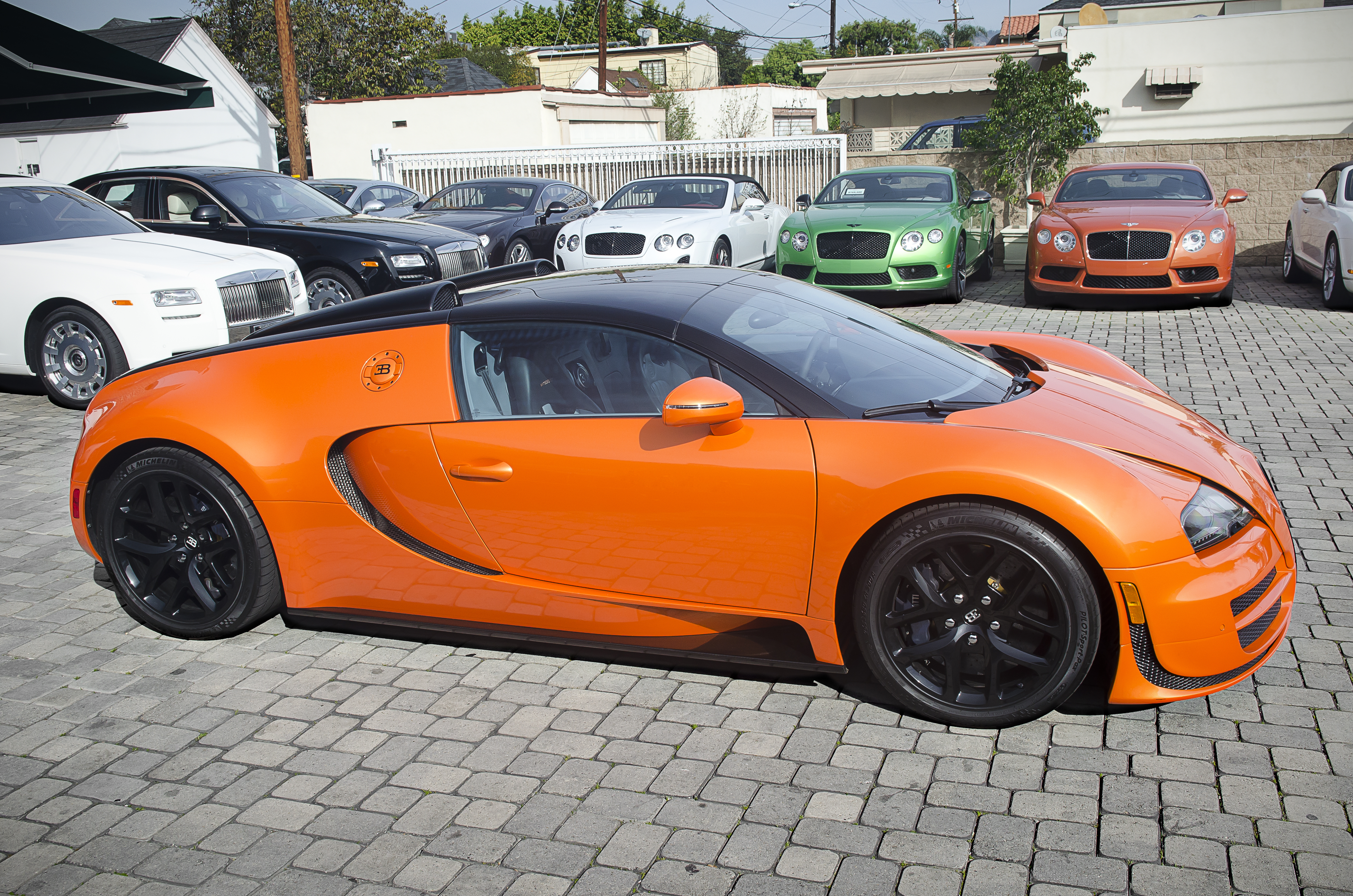 Orange_Bugatti_Veyron_Grand_Sport_Vitesse_%2812570420484%29 Amazing Bugatti Veyron Grand Sport Vitesse Information Cars Trend