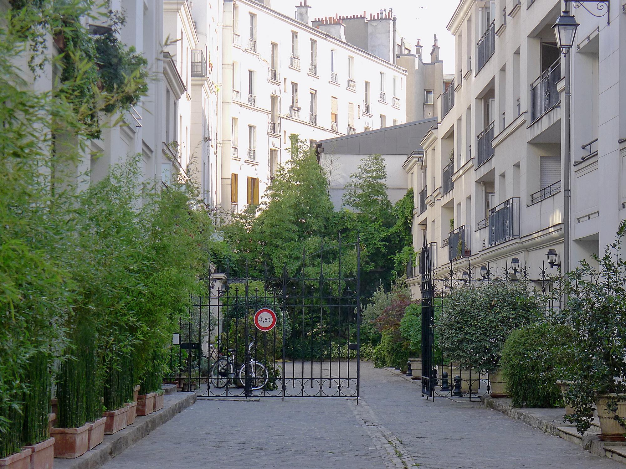 Rue Du Ch Ef Bf Bdne  Combs La Ville Jardin