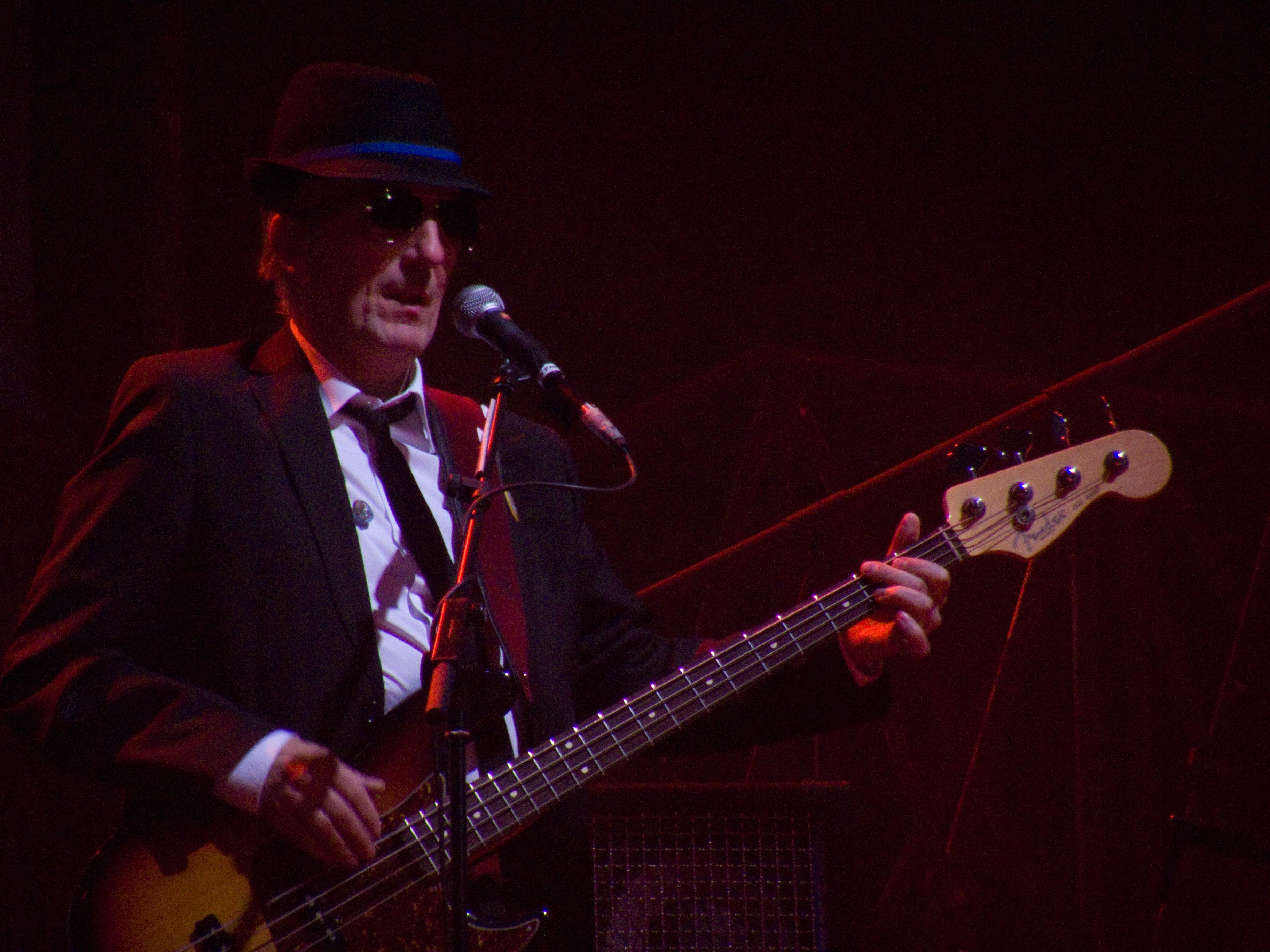 Pancho Varona durante un concierto en Madrid de la gira ''Vinagre y rosas'' de Joaquín Sabina.