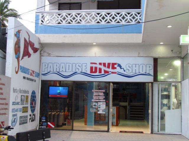 File:Paradise Dive Shop.jpg