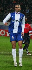 Pepe playing for Porto in 2006