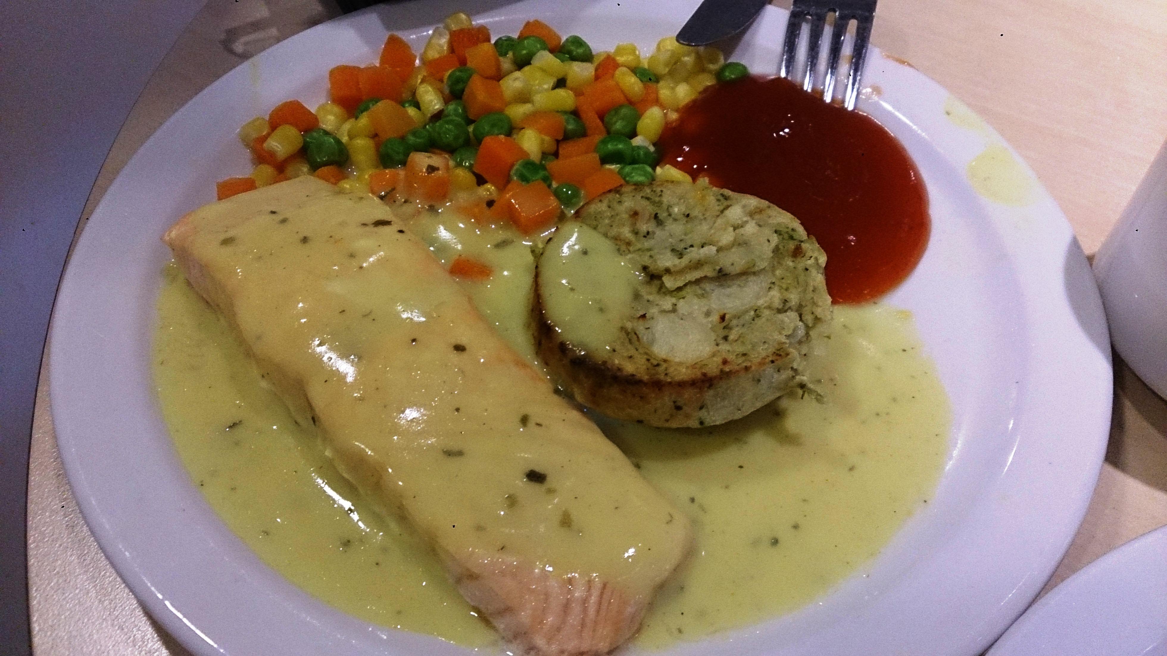 File:Poached salmon.jpg - Wikimedia Commons