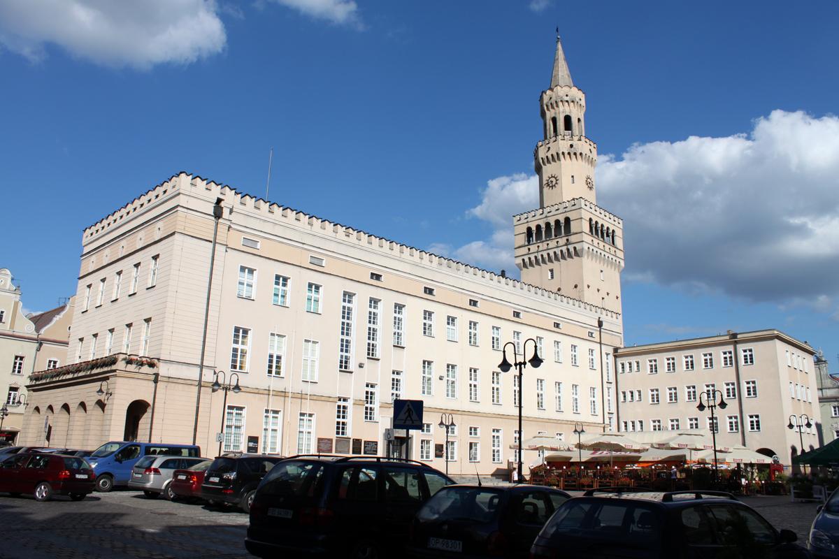 Ratusz w Opolu – Wikipedia, wolna encyklopedia