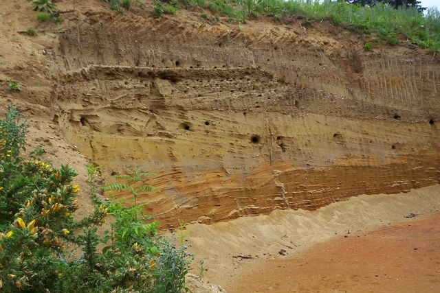 Red crag pit in Rendlesham Forest - geograph.org.uk - 258268