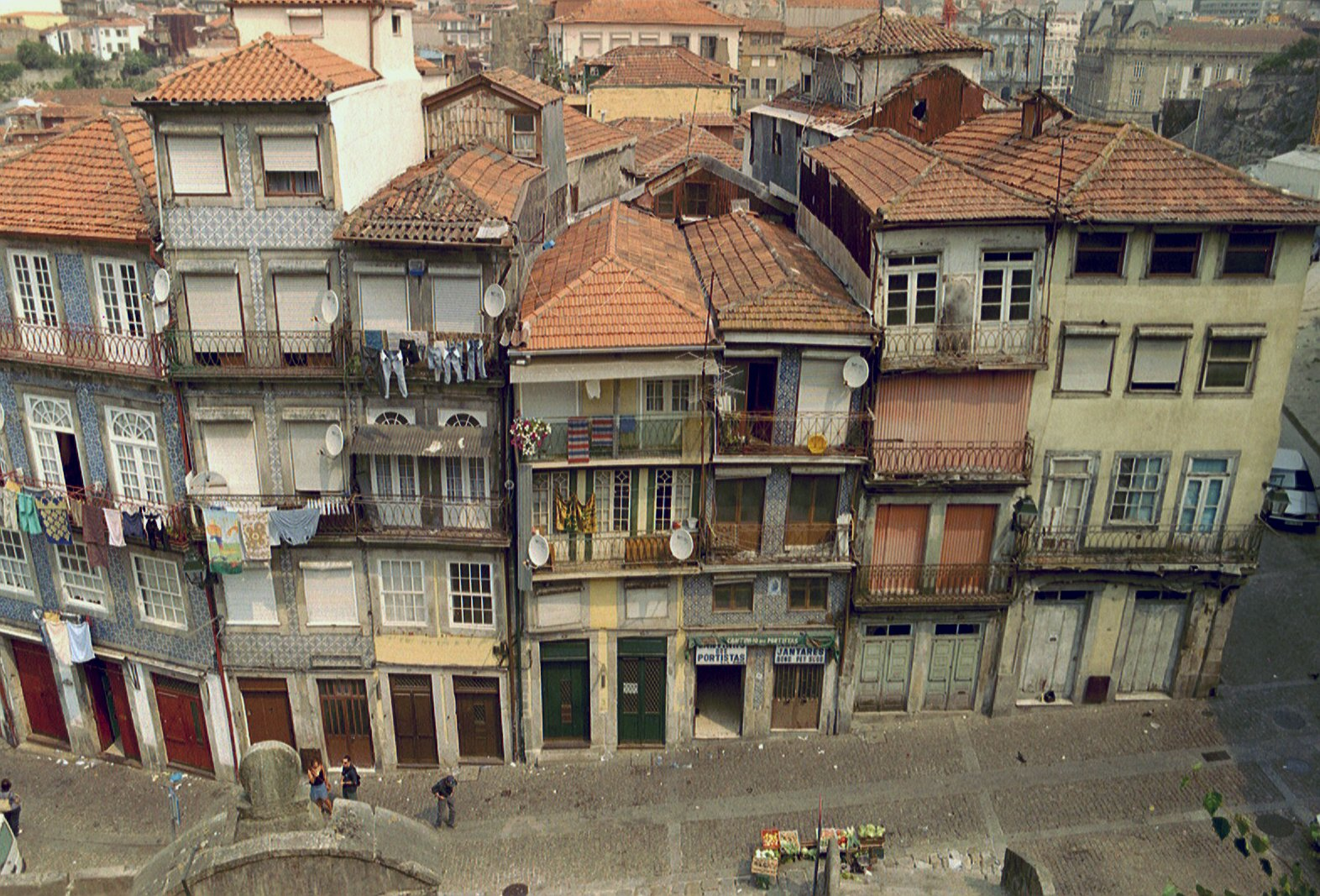 Image result for centro porto portugal em 2005